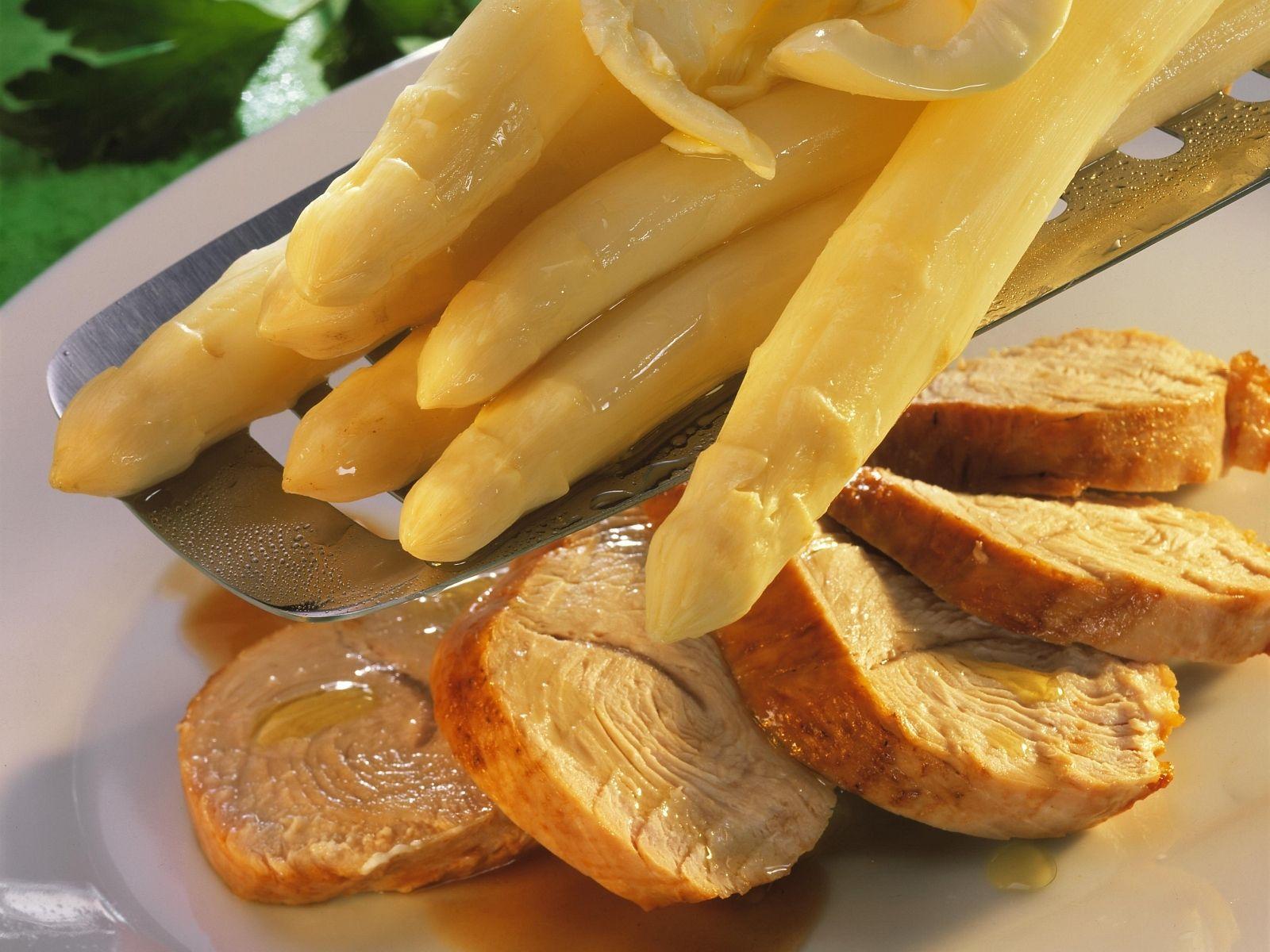 Putenbrust Mit Weißem Spargel Rezept Eat Smarter