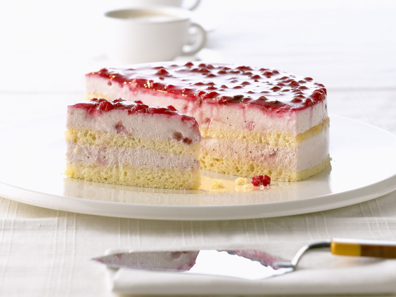Quarkcreme Torte Mit Preiselbeeren Rezept Eat Smarter