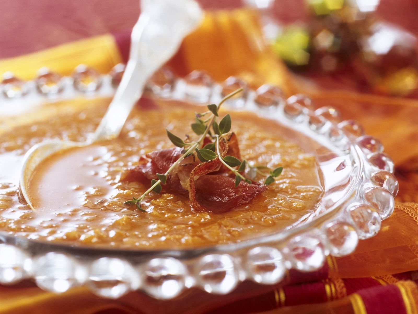 Rote Linsensuppe mit Speck Rezept | EAT SMARTER