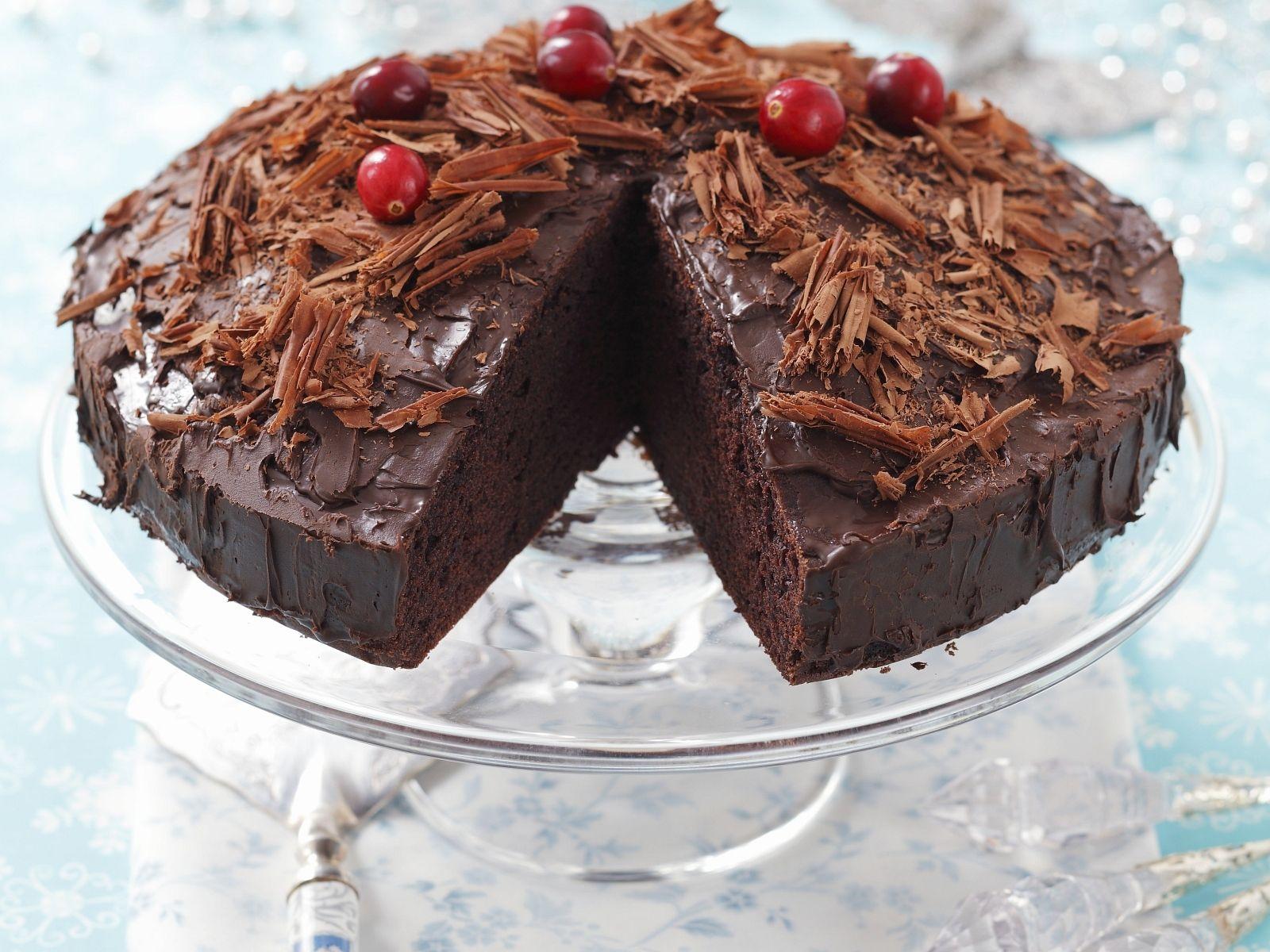 Saftiger Schokoladenkuchen Mit Puddingcreme Rezept Eat Smarter