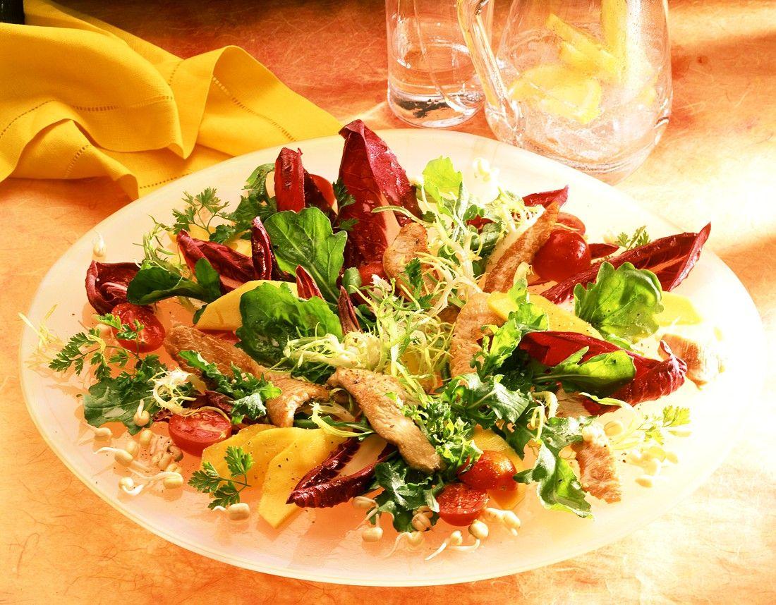 Salat mit pute und mango