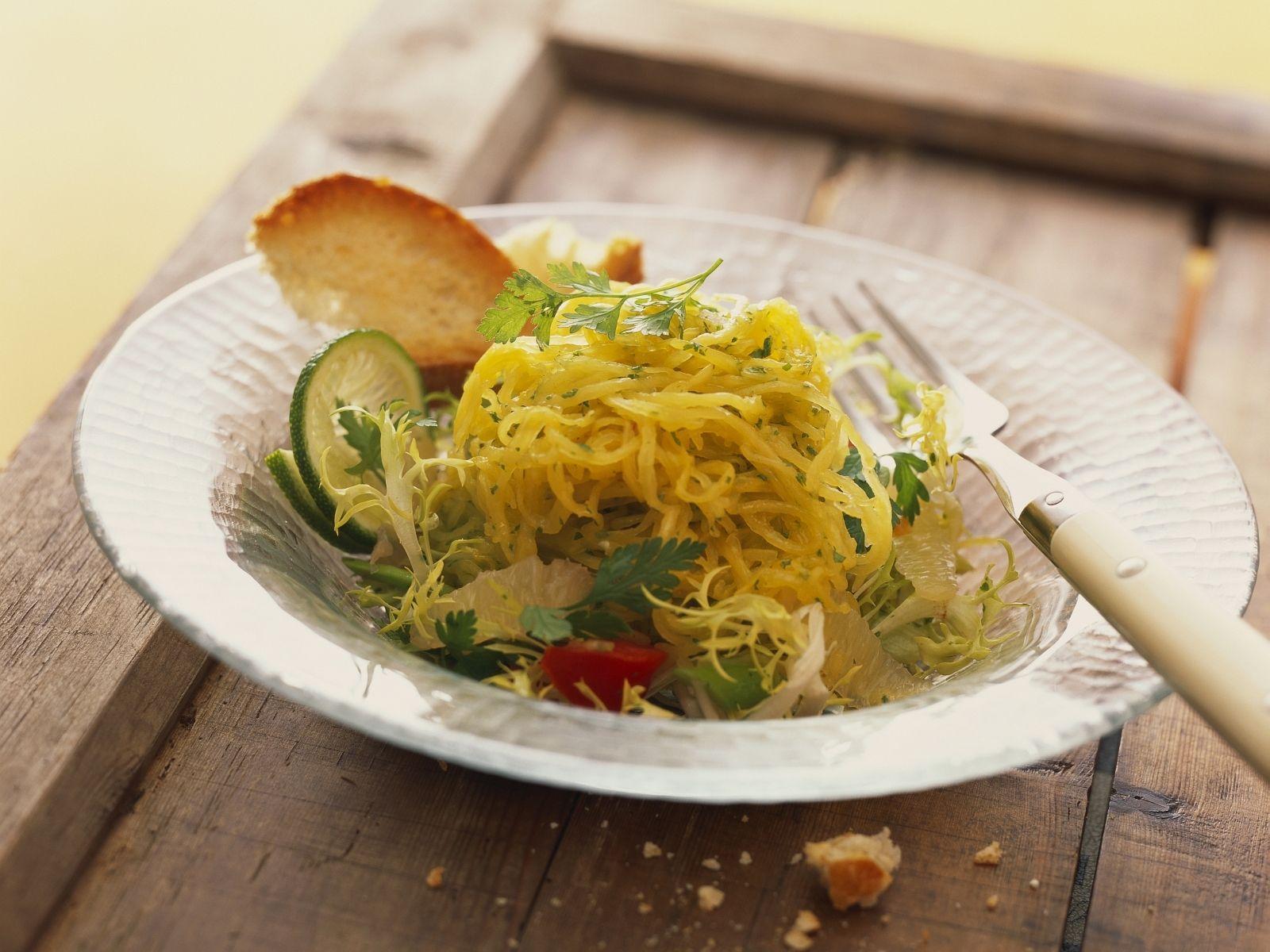 Salat Mit Spaghettikurbis Rezept Eat Smarter