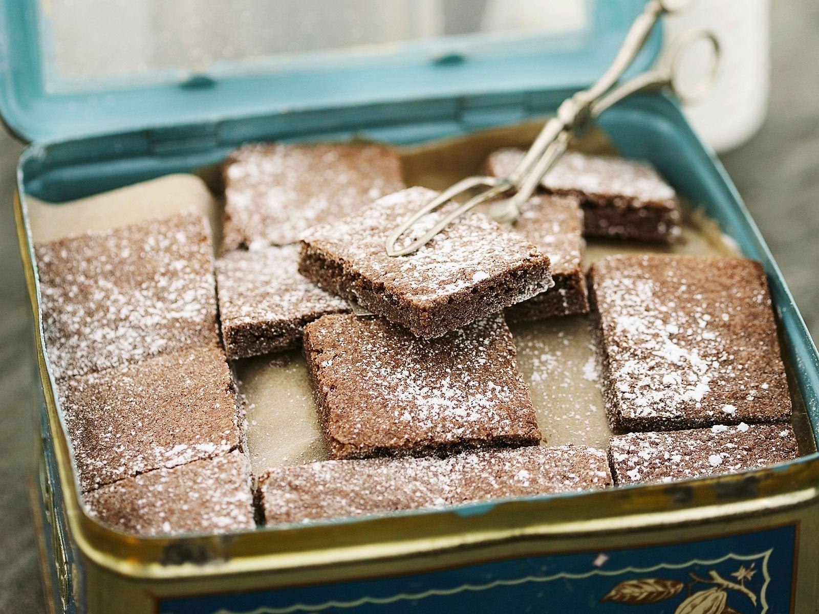 Schokoladen-Blechkuchen Rezept | EAT SMARTER