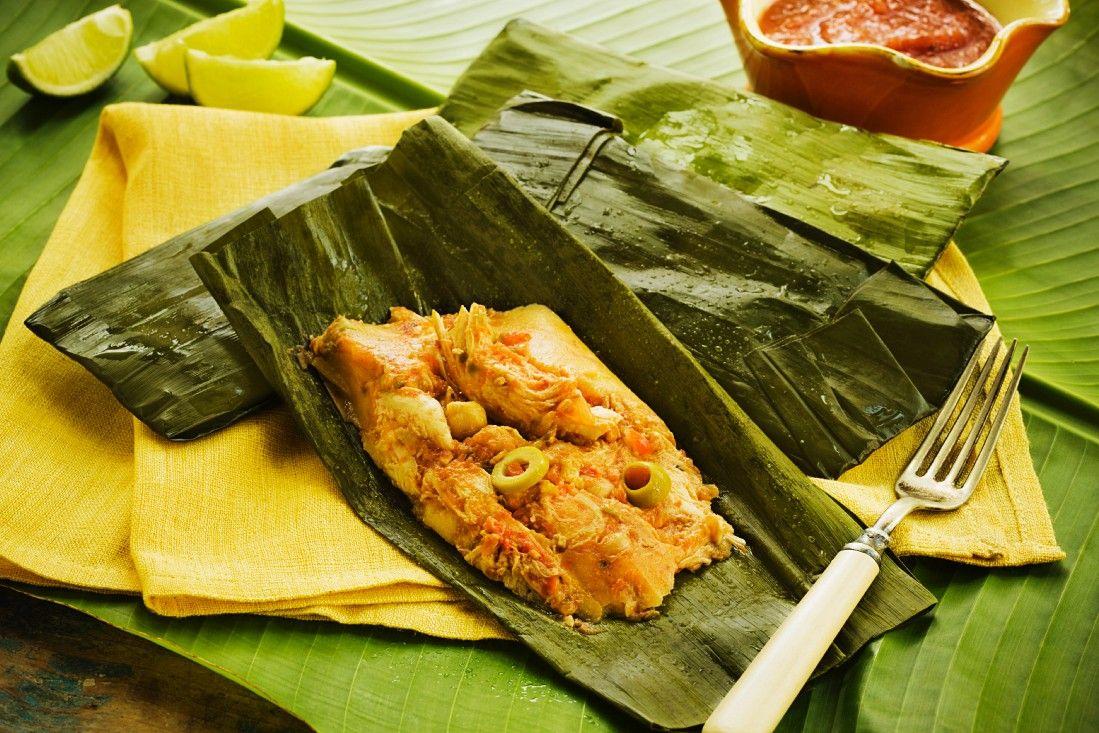 Tamale mit Hähnchen und Oliven im Bananenblatt Rezept | EAT SMARTER