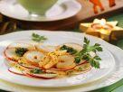Apfel-Carpaccio mit Pesto und Garnelen Rezept
