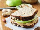Apfel-Erdnussbutter-Sandwich Rezept