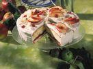 Apfelsahne-Torte mit Preiselbeeren Rezept