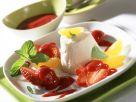 Aprikosen-Parfait mit Himbeersauce und Erdbeeren Rezept