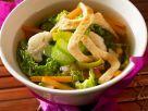 Asiatische Gemüsesuppe mit Omelette Rezept