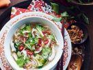 Asiatische Hühner-Gemüsesuppe Rezept