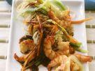 Asiatische Nudeln mit Porree und Scampi aus dem Wok Rezept