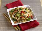 Asiatische Nudeln mit Tofu und Gemüse Rezept