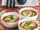 Asiatische Nudelsuppe mit Hähnchenfleisch Rezept