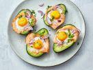 Avocado mit Lachs und Eiern Rezept