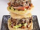 Avocado-Sprossen-Burger Rezept