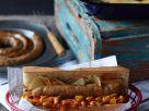 Baguette mit Bratwurst und Bohnengemüse Rezept