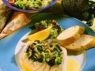 Barschfilet mit Brokkoli und zitroniger Weinsoße Rezept
