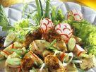 Bayerischer Knödelsalat mit Radieschen und Bratwurst Rezept