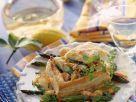 Blätterteigpastete gefüllt mit Meeresfrüchteragout Rezept