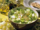 Blattsalat mit Käse und Walnussdressing Rezept