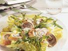 Blattsalat mit Putenschnecken Rezept