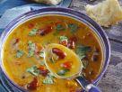 Bohnen-Paprika-Suppe mit Koriander Rezept