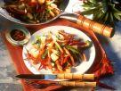 Bratkartoffeln mit Gemüse, Wurst und Ananas Rezept