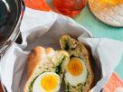 Brötchen gefüllt mit Ei und Spinat Rezept