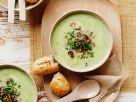 Brokkolisuppe mit Zucchini und Pilzeinlage Rezept