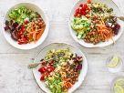 Buddha-Bowl mit Quinoa und Gemüse Rezept