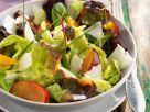 Bunt gemischter Salat mit Pflaumen Rezept