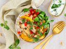 Bunte Bowl mit Apfel-Kürbis-Mix und gebratenen Pilzen Rezept