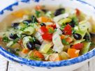 Bunte Gemüsesuppe mit Oliven Rezept