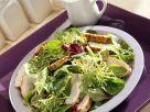 Bunter Blattsalat mit Hähnchen Rezept