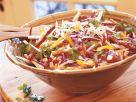 Bunter Krautsalat mit Paprika und Yambohne (Jicama) Rezept