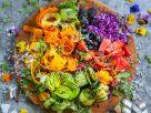 Bunter Regenbogensalat Rezept