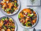 Bunter Salat mit Hähnchenbrust und Miso-Dressing Rezept