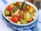 Bunter Tomatensalat mit Kichererbsen Rezept