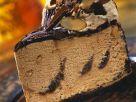 Buttertoffee-Eistorte mit Nüssen Rezept