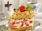 Cremetorte mit Erdbeeren und Baiser Rezept