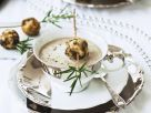 Cremige Pilzsuppe mit Pilz-Semmelklößen Rezept