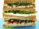 Drei Sandwiches gestapelt Rezept