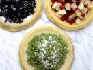 Drei verschiedene Beerenpizzen Rezept