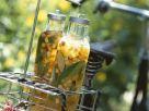 Eistee mit Pfirsich, Nektarine und Basilikum Rezept