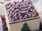 Eistorte mit gefrorenen Waldbeeren Rezept