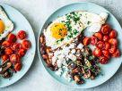 English Breakfast mit Spiegelei, Pilzen und Tomaten Rezept