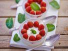 Erdbeer-Pannacotta mit Zitronenmelisse Rezept