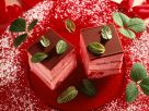Erdbeerparfait-Würfel Rezept