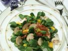 Feldsalat mit Champignons und knusprigem Speck Rezept
