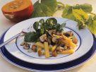Feldsalat mit Kürbisgemüse Rezept